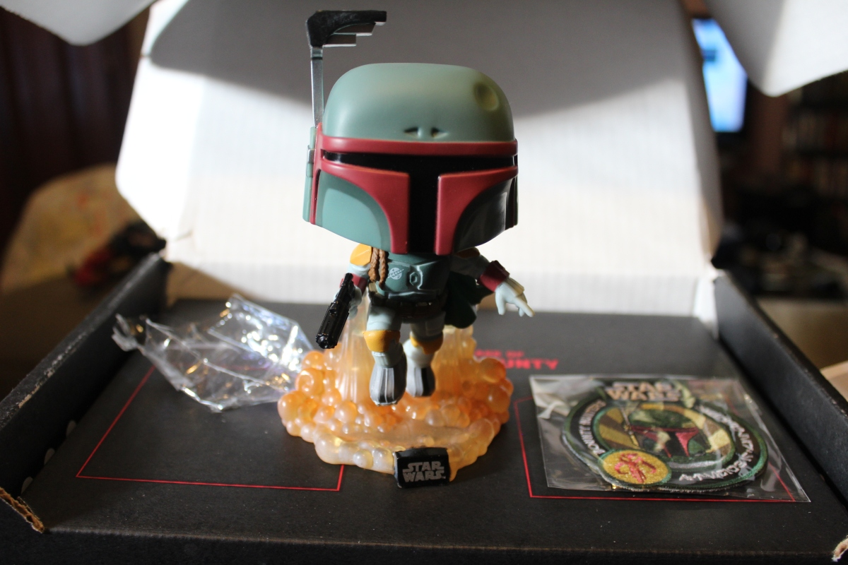 Subscription Box Review:  Star Wars Smuggler's Bounty: Bounty Hunter Box (May 2016)
