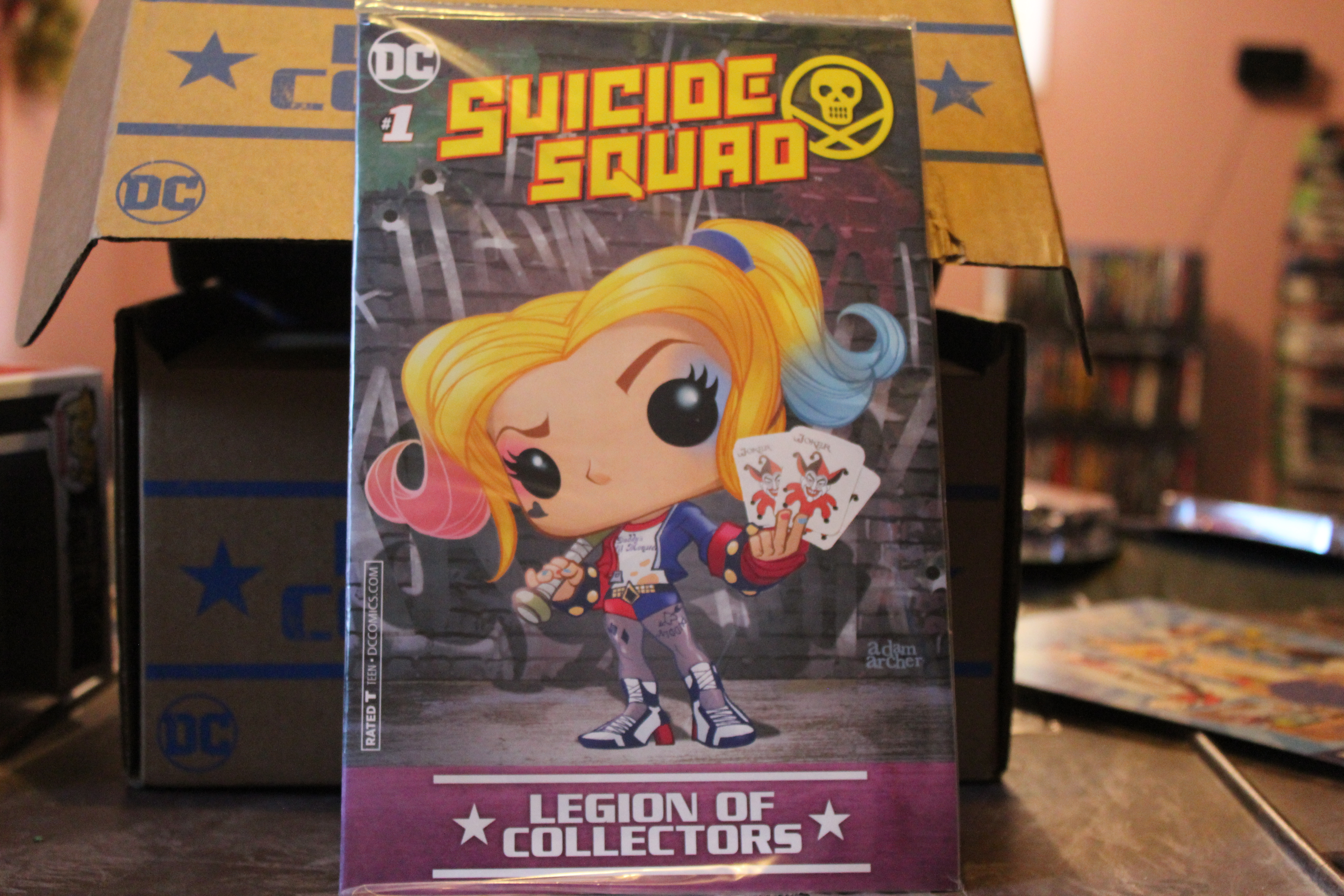 SUICIDE SQUAD # 1 HARLEY QUINN FUNKO POP VARIANT LEGION OF COLLECTORS COMIC NEW