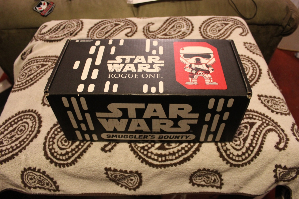 Subscription Box Review:  Star Wars Smuggler's Bounty – Rogue One (Nov 2016)