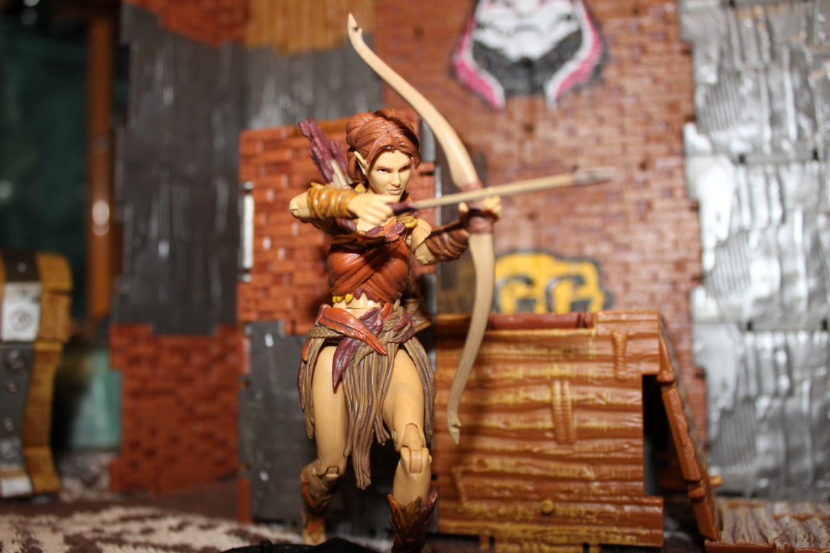 Review: Vitruvian H.A.C.K.S Series 2: Aiyana, Elven Archer, Autumn Guard